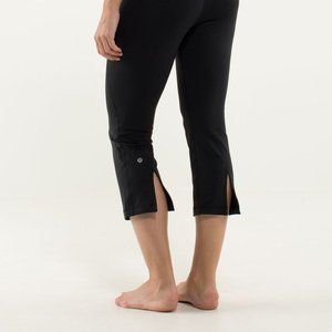 Lululemon Black Gather and Crow Crop 6
